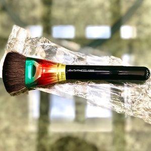 MAC Cosmetics 125SE Split Fibre Brush LE